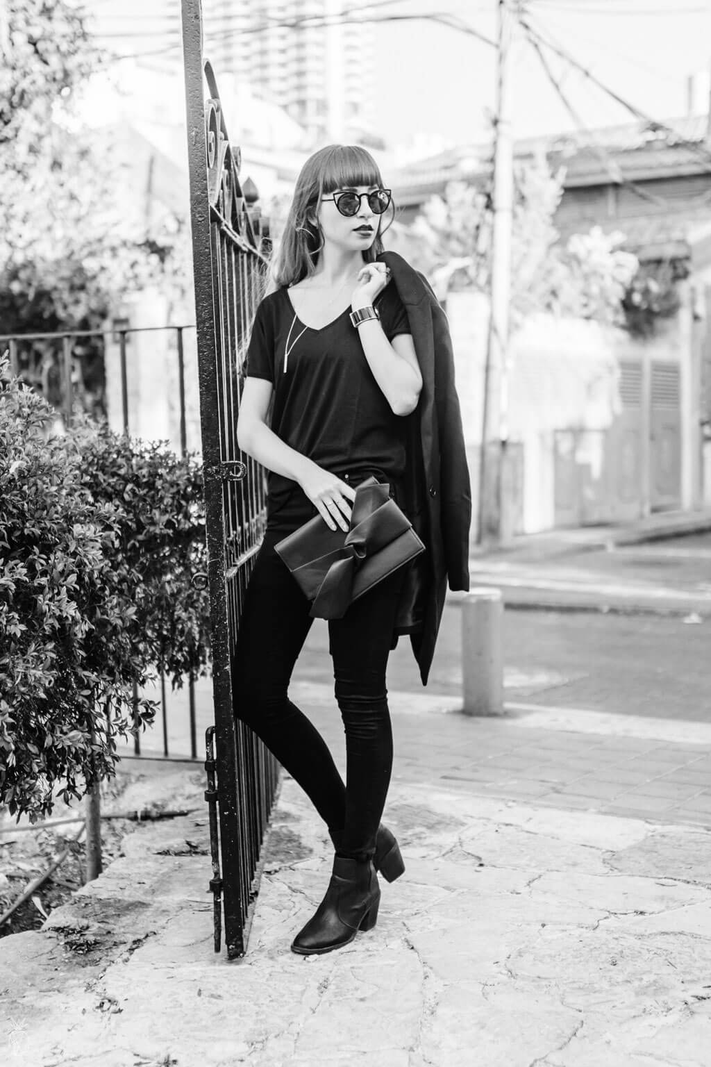 Outfit : Head-to-Toe Black - Outfit inspiration for winter   Fashion minimalist