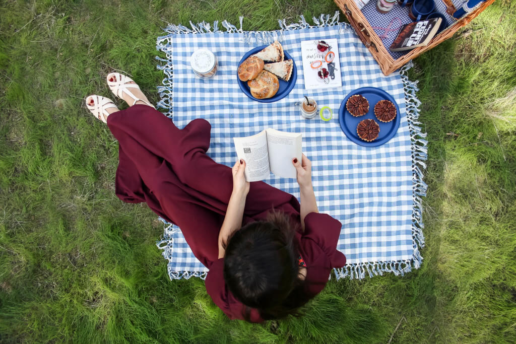 PICNIC IN THE MIDDLE OF WINTER EDITORIAL - RONI KANTOR DRESS רוני קנטור