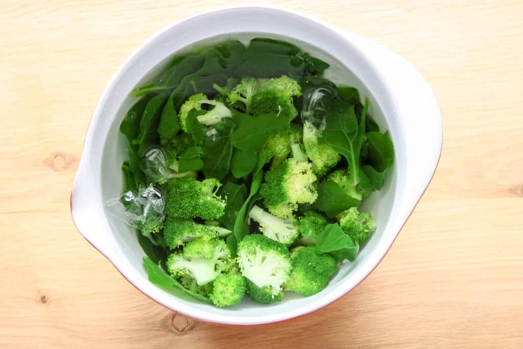 Pasta-with-Olive-Oil-and-Green-Veggies-Healthy-Recipe-__-פסטה-איטלקית-ברוטב-שמן-זית-והמון-ירקות-ירוקים---מתכון-32