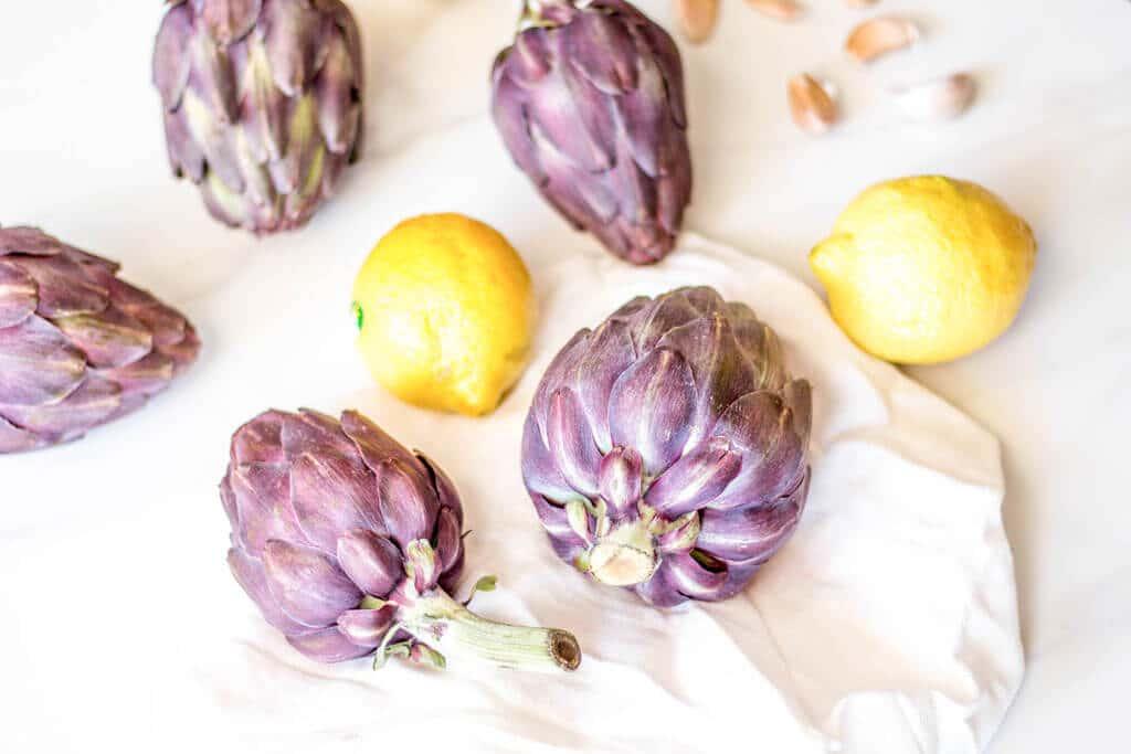 ארטישוק : נשנוש אביבי קל ובריא - איך לבשל ארטישוק במים בקלי קלות    spring delight - how to cook & eat artichokes like a pro