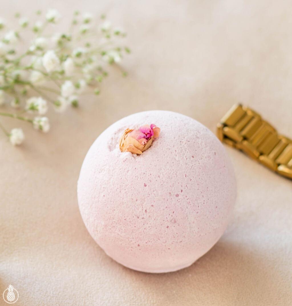 rose bath bomb - איך השגתי עור חלק ובריא בתוך פחות משבועיים