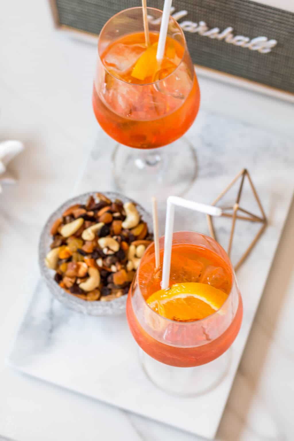 Aperol Spritz recipe - how to make the Italian refreshing & easy summer cocktail at home - Click on the photo for the full recipe @ hedonistit.com
