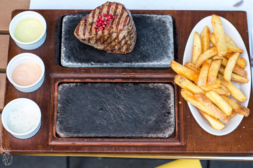 Rolli's Steakhouse - Where To Eat In Zurich - The best places to eat to enjoy sweet and savory food in Zurich, Switzerland | Travel the world | Travel destinations | To see the full article click on the photo