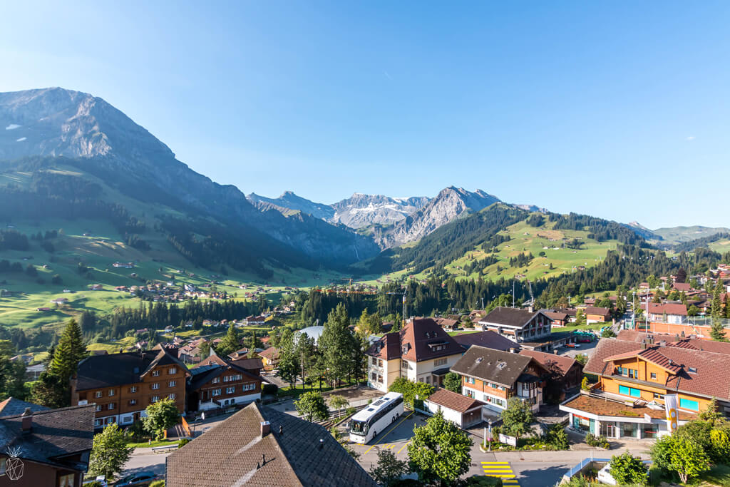 Looking for a summer travel destinations to add to your bucket lists? Take a look at these 20 photos that will inspire you to visit beautiful Swiss Alps of Switzerland - The perfect destination for honeymoons, hiking or just relaxing! | Travel photography!