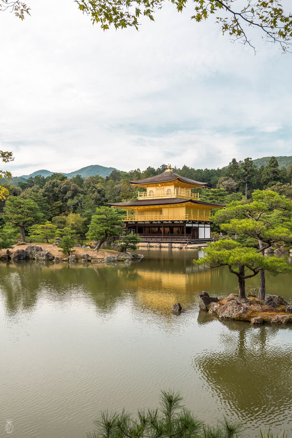 20 Photos to Inspire You to Visit Kyoto Japan | golden pavilion
