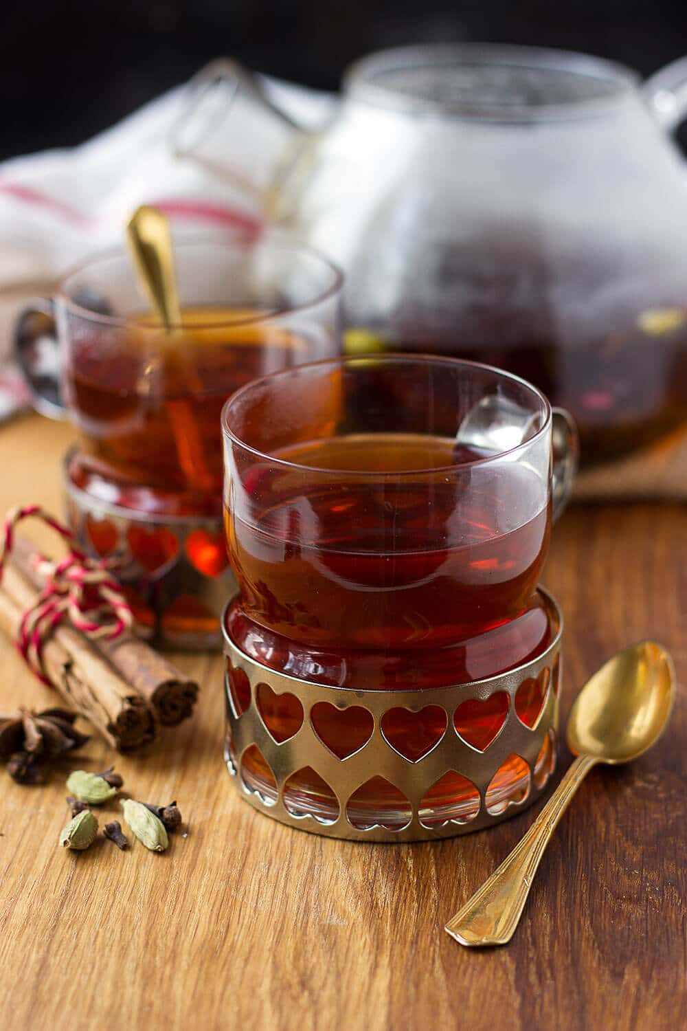 MULLED WINE TEA || 5 variations for the good ol' winter favorite - the mulled wine! Click through for my picks of the comforting winter drink