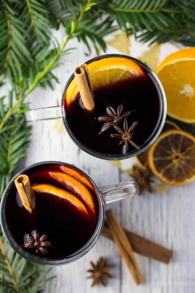 Blackberry Mulled Wine | 5 variations for the good ol' winter favorite - the mulled wine! Click through for my picks of the comforting winter drink