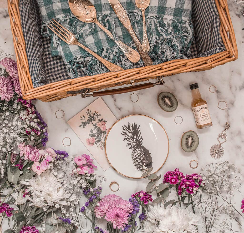 7 Ways To Celebrate Spring - picnic