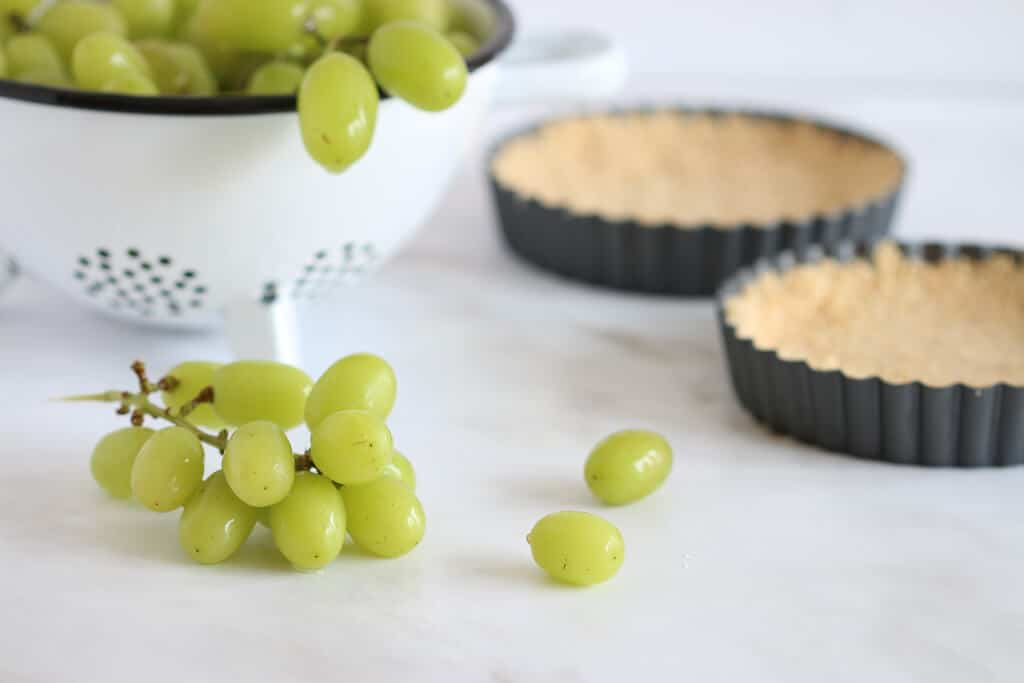 No-Bake Cheese Tart with Grapes