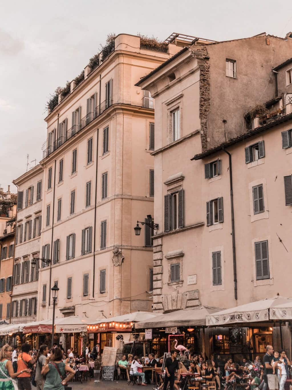 A Guide For Planning A Trip To Rome - Things to do in romantic Rome {3 day itinerary, including food & restaurants tips, shopping and sightseeing}