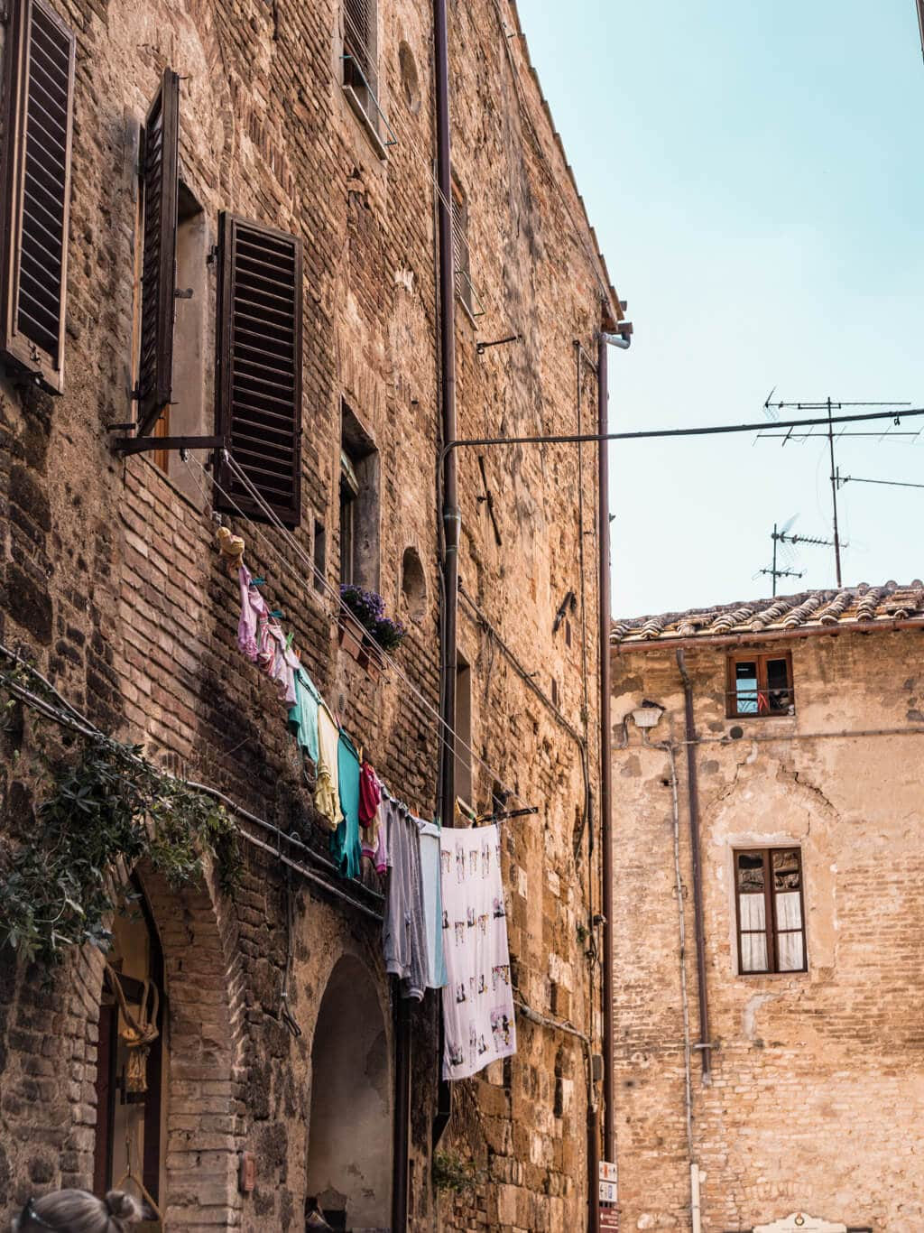 San Gimignano || A Guide For Planning A Trip To Tuscany, Italy - Things to do, including food & restaurants tips, wineries, and road trip tips