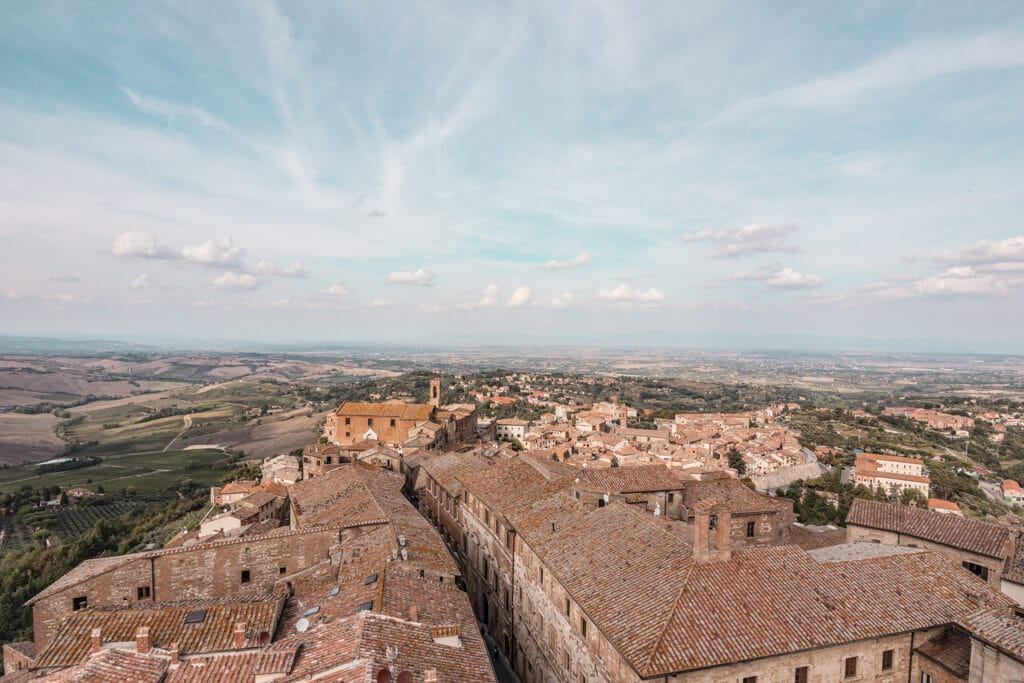 Montepulciano || A Guide For Planning A Trip To Tuscany, Italy - Things to do, including food & restaurants tips, wineries, and road trip tips