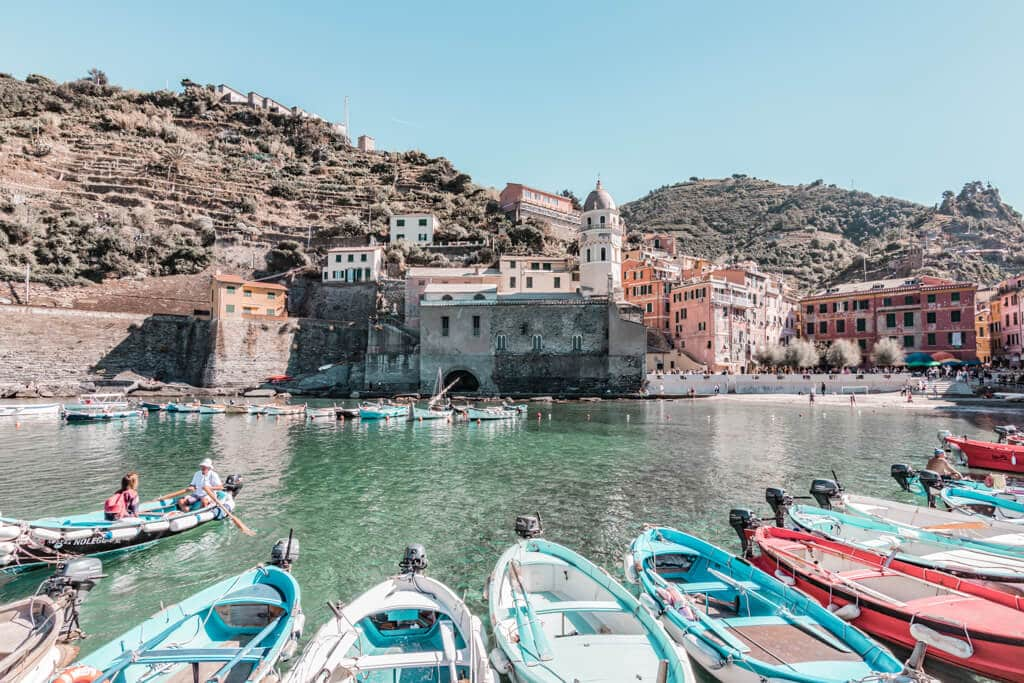 Things to do in Cinque Terre + where to stay and food tips {Photography guide}