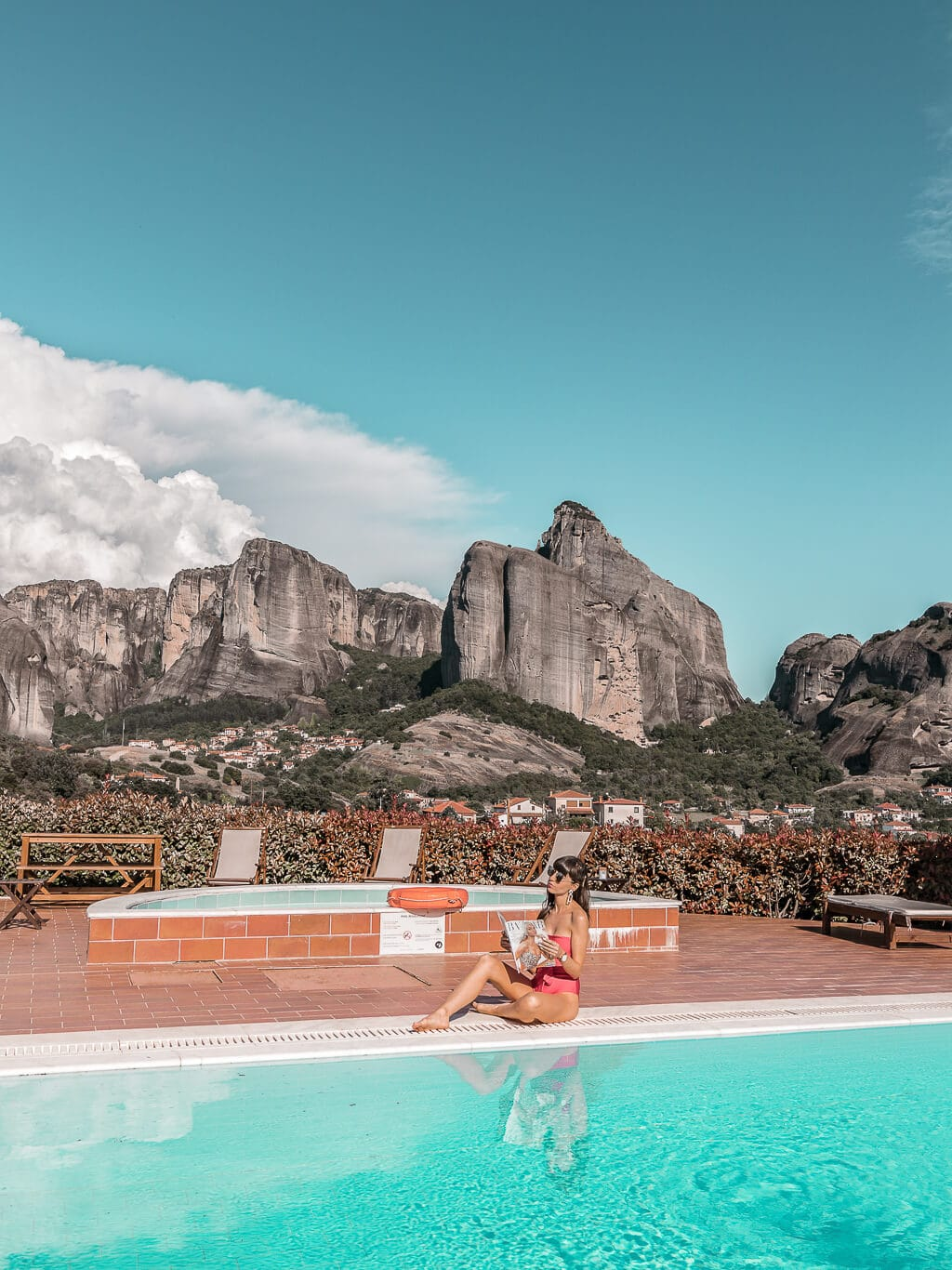 Greece is more than islands - Thessaloniki, Meteora and Chalkidiki - are off the beaten path greek gems. Click through to get inspired with these 20 pictures from North Greece!