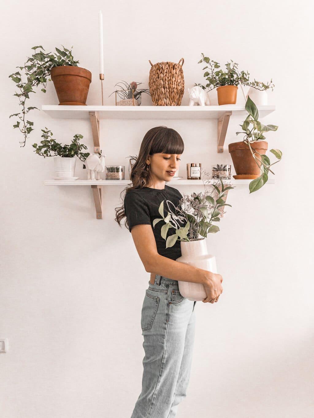 סיור בסלון שלי - עיצוב אקלקטבי סקנדינבי, ג׳ונגל אורבני | Hedonistit living room tour - eclectic nordic urban jungle home styling